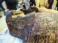 Egy várandós nő múmiáját rejtette az egyiptomi szarkofág