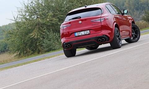 Alfa Romeo Stelvio Quadrifoglio galéria