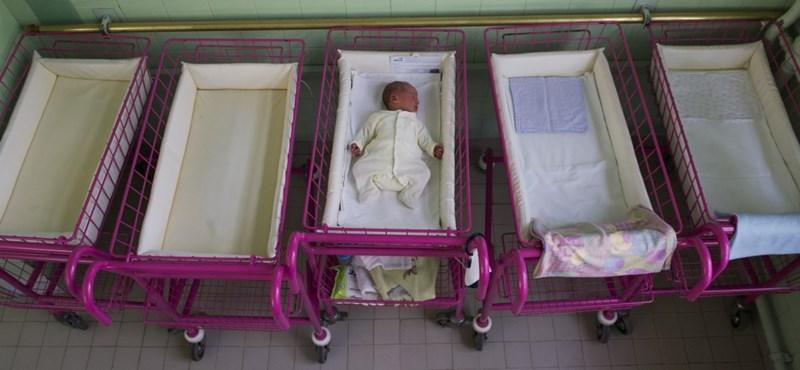 Itt az étlap, mivel akarja felpörgetni a nők szülési kedvét a kormány