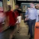 Metrórulett: Budapest csukott szemmel ugrik - a sötétbe