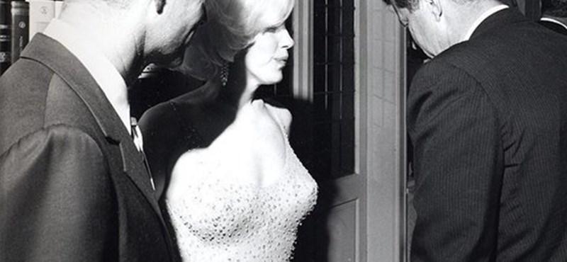 Kiderült a titok: miért lihegett Marilyn Monroe az elnöki partin?