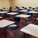 A rendkívüli hideg miatt 1500 iskolában szünetel a tanítás