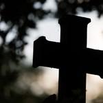 A nyugalom garantált – pihenőparkot csinálnak egy régi temetőből Mindszenten
