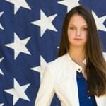 Elképesztő okból tiltották ki a lány fotóját az iskolai évkönyből