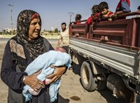 A kurdok felfüggesztik az Iszlám Állam elleni harcot
