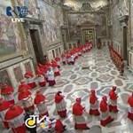 Fekete füst szállt fel, nincs még új pápa