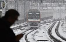 Ingyenreggelit kapnak a metróvállalattól, ha korábban járnak munkába a tokióiak