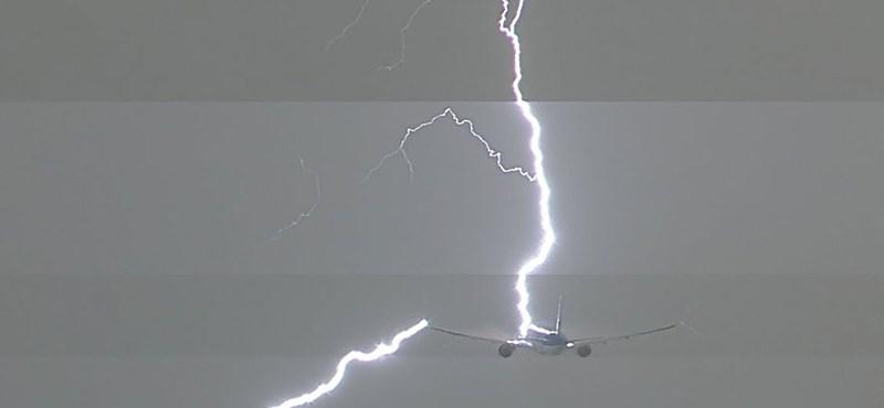Lélegzetelállító videó: belecsapott egy villám a KLM egyik Boeing 777-es repülőgépébe