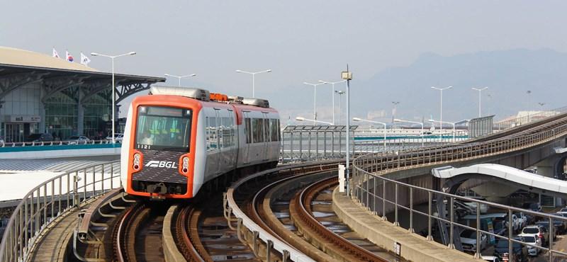 Magyar Nemzet: A kormány döntésére vár, hogy a kínaiak építsék-e a reptéri vasutat