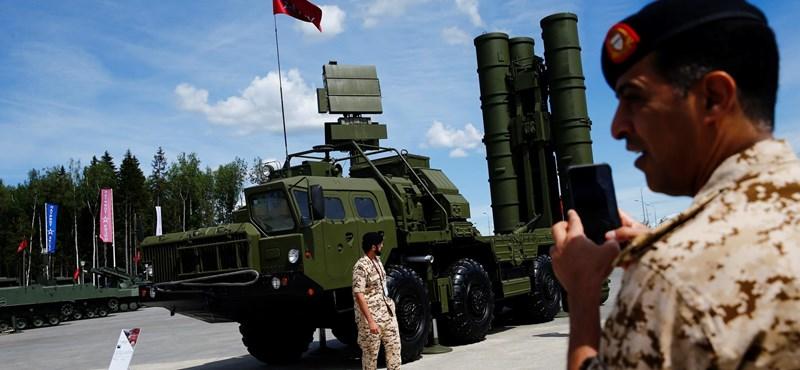 Erdogan a stratégiai fontosságú NATO-támaszpontok bezárásával fenyegetőzik