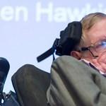 Milyen technológia segítette a mozgásképtelen Stephen Hawkingot az aktív élethez?