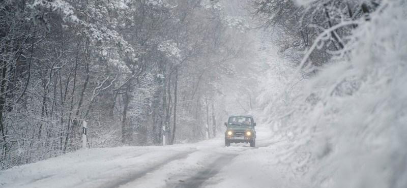 Kedden minden lapját kiteríti a tél