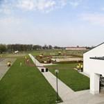 Vizsgálja az Európai Bizottság az uniós pénzből épült fizetős játszóteret