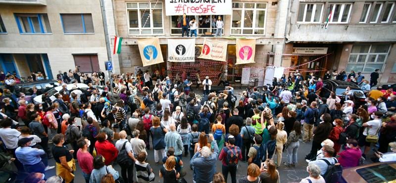 """""""Szabad oktatásért, szabad kultúráért!"""" - tüntetést szerveznek péntekre"""