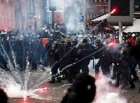 Továbbra is teljes a káosz Párizsban a tüntetések miatt