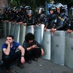Hanggránátok, ellenzéki vezető letartóztatása Örményországban