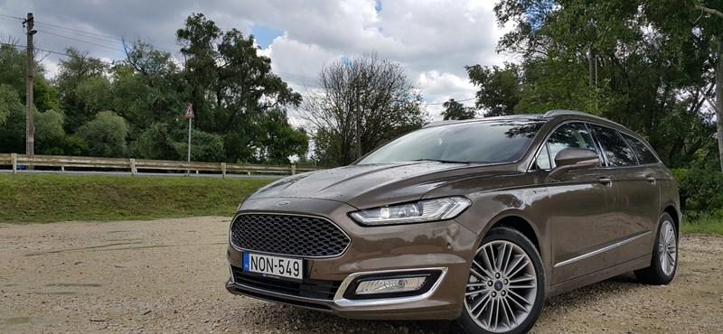 Ford Mondeo Vignale-teszt: jár a prémium