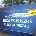 Fotó: Putyinizálta a kormányplakátokat az Együtt
