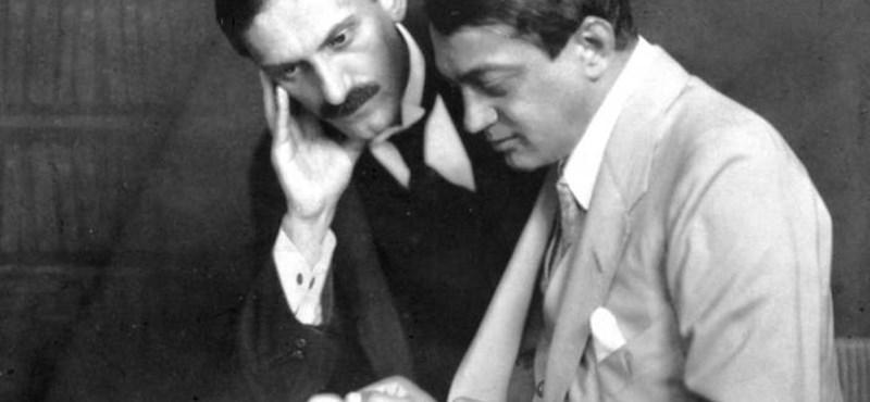Zseniális teszt: felismeritek a leghíresebb magyar írókat egyetlen fotóról?