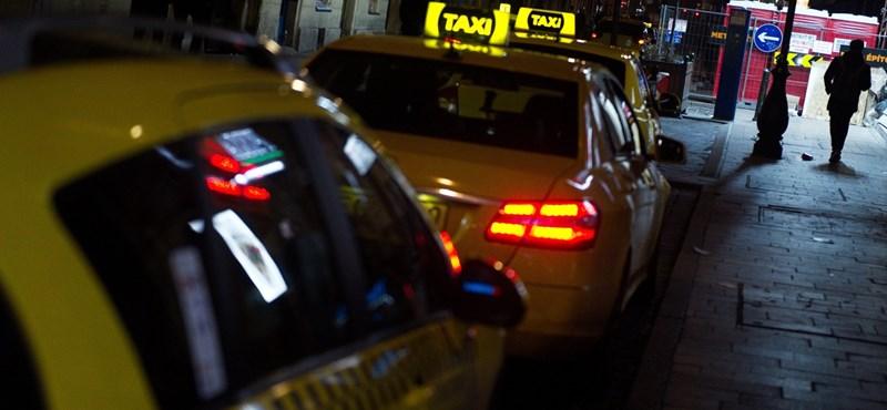 Taxitarifa-emelés: a vakrepülés folytatódik, ami sem a sofőröknek, sem az utasoknak nem jó