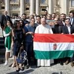 Kitette a kormány a Hungary Helps utazó nagykövetének szűrét