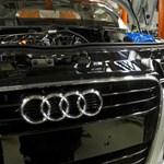 Két órán át sztrájkolnak ma a győri Audi-gyárban
