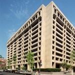 Van hátsó kijárat az IMF washingtoni székházában