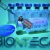 Engedélyezték a briteknél a BioNTech és a Pfizer 95 százalékos koronavírus-vakcináját