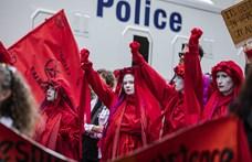 Több száz klímavédelmi aktivistát állítottak elő Brüsszelben