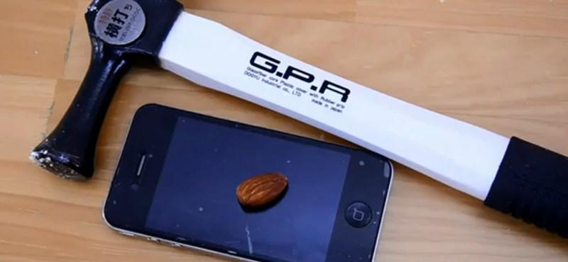 Túléli az iPhone a kalapácsütést? (videó)