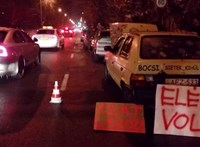 Miskolcon félpályás sávelzárással tiltakoztak - fotó