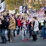 A hét hírei: utcára vonultak a tanárok, meztelenül tiltakoztak a kaposvári egyetemisták
