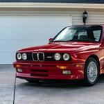75 millió forintért adtak el egy 32 éves BMW-t