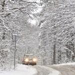 Leesett az első hó Románia hegyvidékein, több turistát is hegyimentők hoztak le