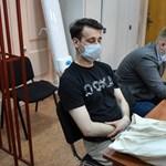 Un periódico estudiantil lo allanó y la policía rusa arrestó al joven.