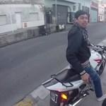 Videó: rémisztő utcai támadást vett fel egy turista kamerája