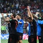 Nagyszerű kárpótlást kap a fotós, akire örömében rázuhant a horvát válogatott az elődöntőben