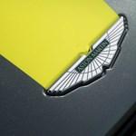 639 lóerős lett az Aston Martin szemrevaló V12-es új csúcsmodellje, mutatjuk