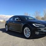 Befutott az első páncélozott Tesla is