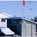 Valami nagy baj lehet az egyik kanadai indián közösségnél, segítőket küldtek hozzájuk