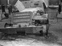 Molotov-koktélok repültek '56 októberében – sokat tettek ezért a finn katonák