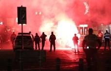 Hollandiai fiatalok felgyújtottak egy tesztközpontot, tiltakozásul a kijárási tilalom ellen