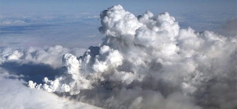Narancs riasztás: Izlandi vulkán boríthatja fel a légi közlekedést