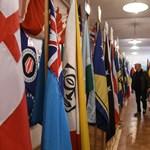 """""""Több mint 200 ország zászlóját kellene elégetni"""" – Veszélyben a zászlómúzeum"""