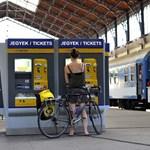 Így lehet decembertől olcsóbban vonatjegyet venni