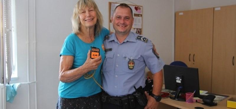 Tatabányán vesztette el a GPS-ét a brit nő, aki húsz éve futja körbe a világot