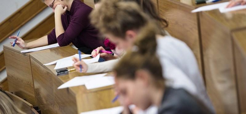 Itt a feketeleves: minden harmadik hallgató kiszorulhat a felsőoktatásból?