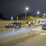 Fotók: Múlt éjjel is száguldoztak a Szentendrei úton, csúnya baleset lett a vége