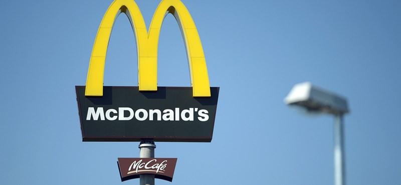 Elég idétlen gesztussal ünnepli a McDonald's a nőket