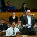 """Jobbik: a kormány """"halálos ítélete"""" a devizahitelesek felett"""